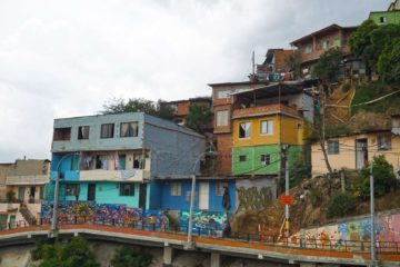 colorful-houses-in-comuna-13