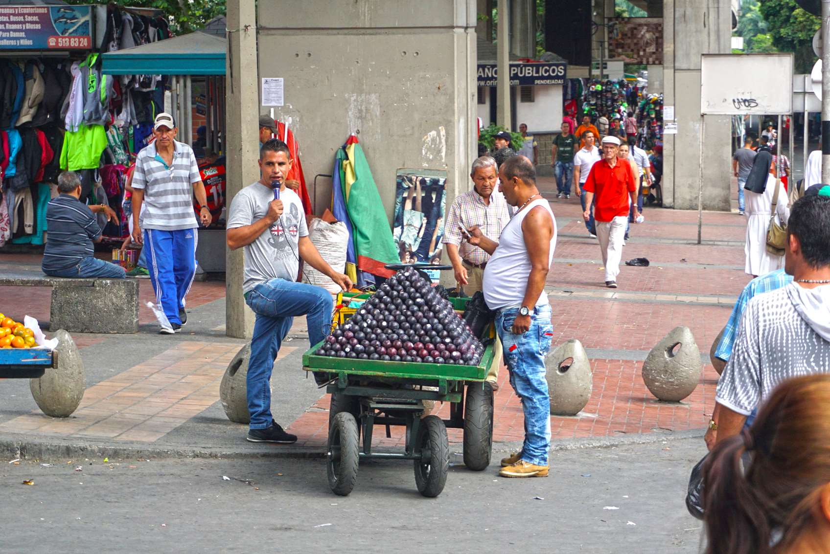 street-vendors-having-a-battle