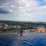 Amazing infinity pool on the 40th floor in Brisbane